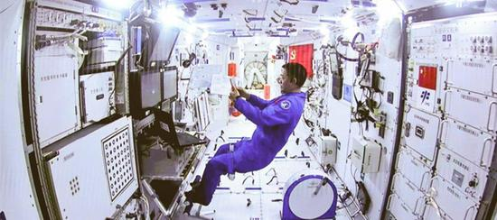 How Chinese astronauts maintain personal hygiene in space