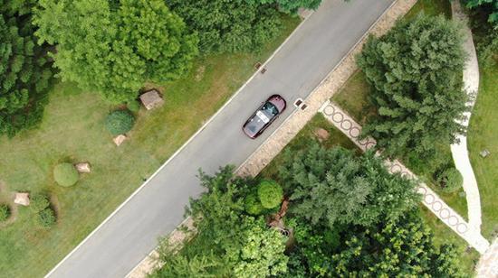 Beijing permits self-driving vehicle testing on expressways