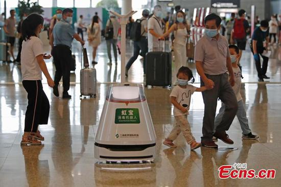 Two airports in Shanghai strengthen epidemic prevention and control measures
