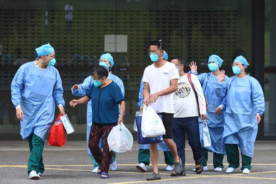 First batch of six patients related to Nanjing airport leaves hospital