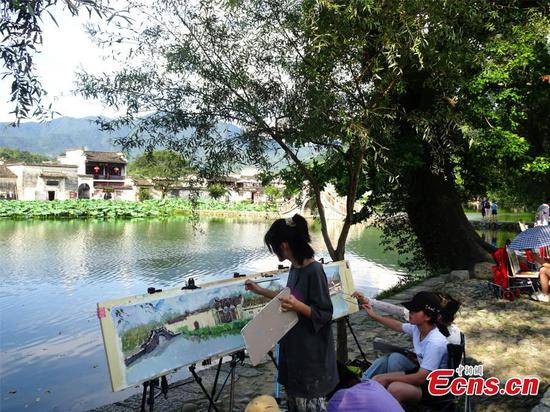 Eye-catching scenery captured in World heritage site Hongcun village