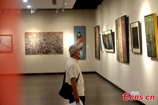 7th lacquer painting exhibition attracts visitors in Fujian