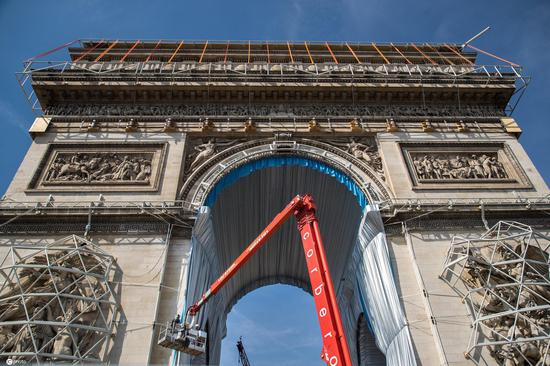 Arc de Triomphe to be wrapped in 25,000 square meters of fabric