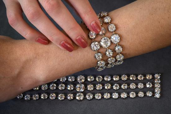 Christie's to auction diamond bracelets belonging to Marie-Antoinette