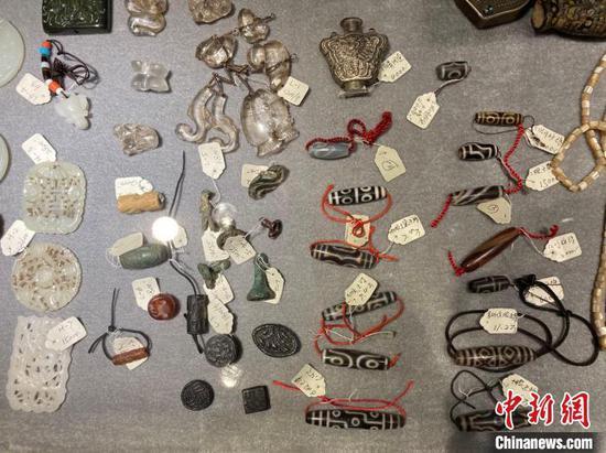 The Yanjing Eight Palace Handicrafts exhibition kicks off Sunday at Shenyang Museum. (Photo/China News Service)