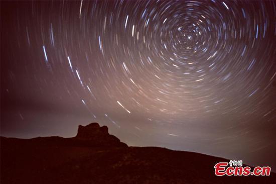 Starry night adds charm to Yangguan Pass in NW China's Gansu