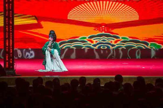 Post-00s in Shanxi keen on local opera