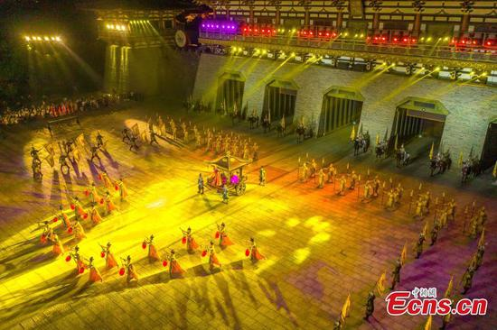 Night tour resumes in Central China's Hubei