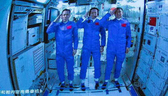 Astronauts to return home after China's longest space mission
