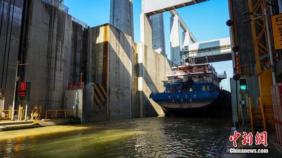 World's largest ship elevator resumes operation at Three Gorges Dam