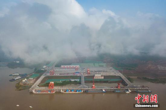 First 10,000 metric ton port in upper reaches of Yangtze River opens