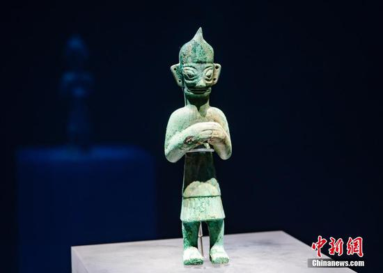Newly-excavated Sanxingdui cultural relics to be displayed during National Day