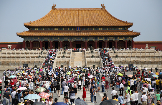 'Compensational travel' stimulates consumption in China