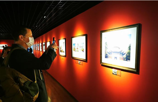 Photo exhibition offers a diplomatic view of China's Palace Museum