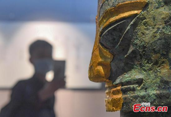 Sanxingdui cultural relics displayed in Hangzhou attracts visitors