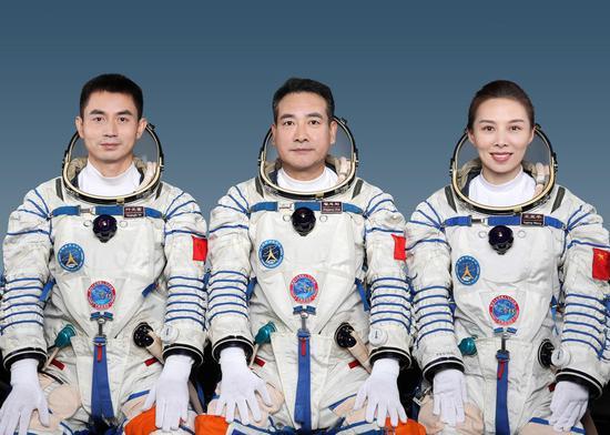 China announces Shenzhou-13 crew