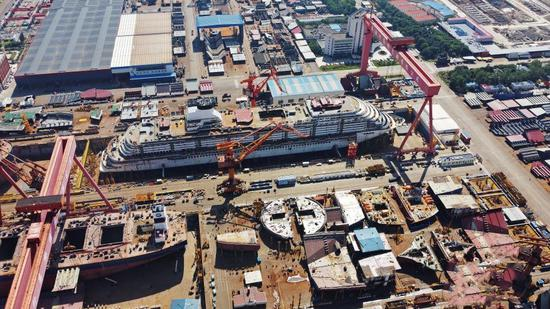 China's first domestically built large cruise ship completes hull structure