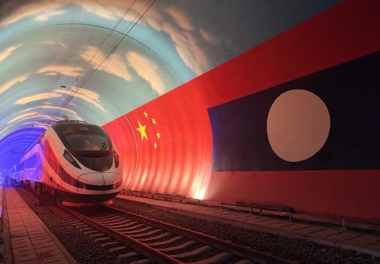 China-Laos train undergoes dynamic test