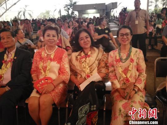 参加中菲文化节的嘉宾们。 菲律宾雅典耀大学孔子学院供图 摄
