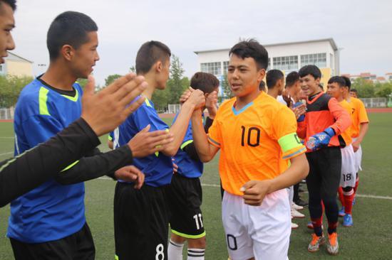 2018年大同初中青少年校际校园足球联赛总决学校高级新疆兵团图片