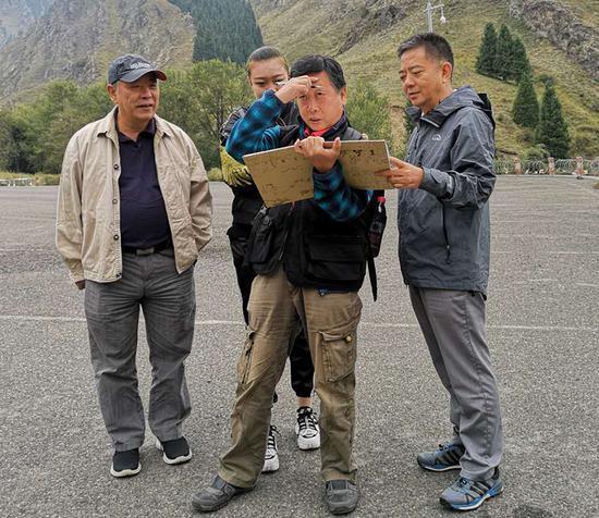 四川省政府文史館采風團到新疆中原文化促進會考察交流