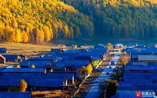 """如童话般美丽的禾木村。图/阿勒泰地区""""访惠聚""""办公室"""