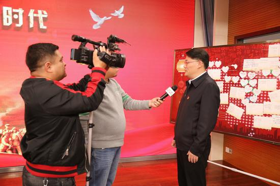 兵团电视台对活动进行采访报道。