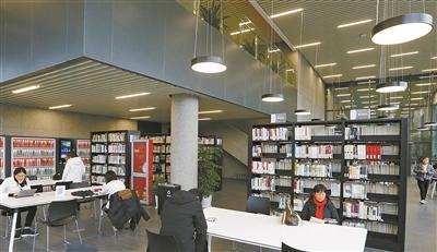 宁波图书馆新馆内景。(周建平 摄)