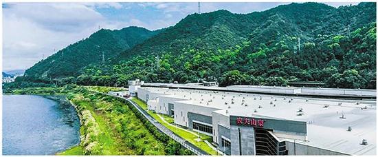 农夫山泉生产基地。