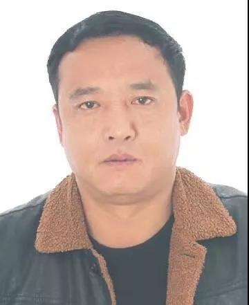 赫艾子,别名:赫晓勇,男,41岁,宁夏泾源县香水镇大庄村二组人,无业。