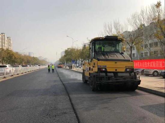 """-15℃不结冰!宁夏首条""""不结冰""""道路正在建设"""
