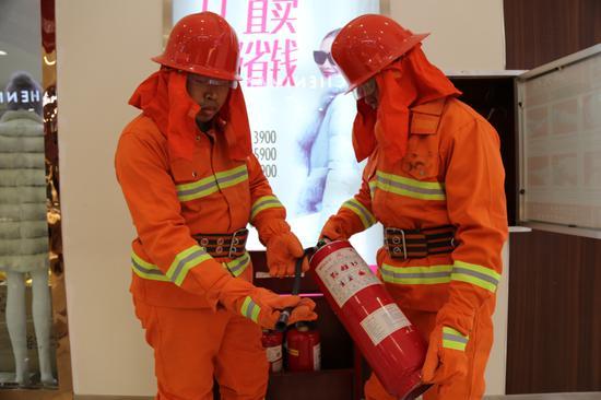 """新疆阿克苏2308个""""微型消防站""""为消防安全保驾护航"""