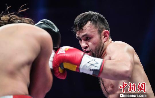 新疆双子星强势夺得WBO洲际拳王争霸赛双头衔