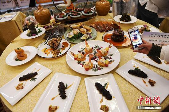 八大菜系及丝路美食汇聚兰州让人垂涎欲滴
