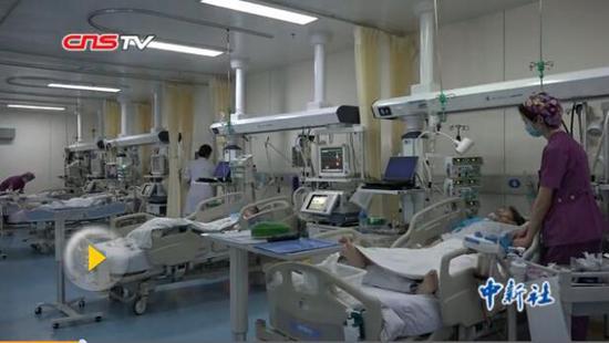 探访重症监护室 行走在生死之间的守护者