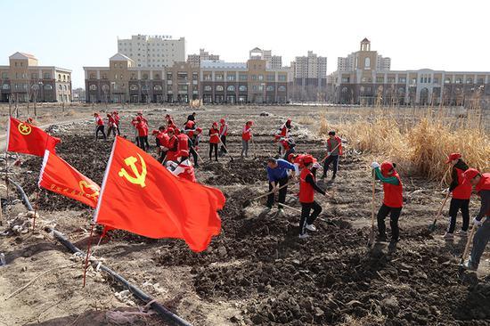 农行新疆兵团分行开展基层行活动 加强青年党员队伍建设
