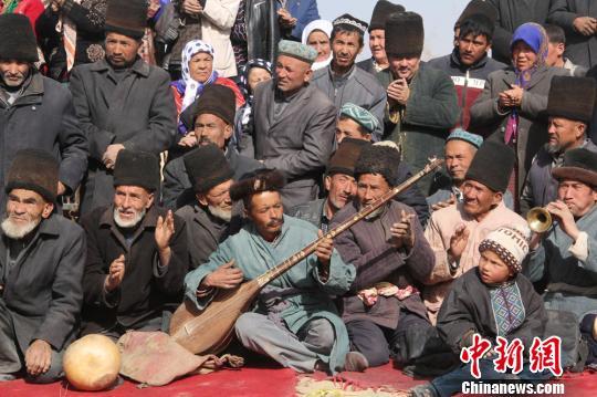 1500余名维吾尔族民众本色出演电影《五十八座半》