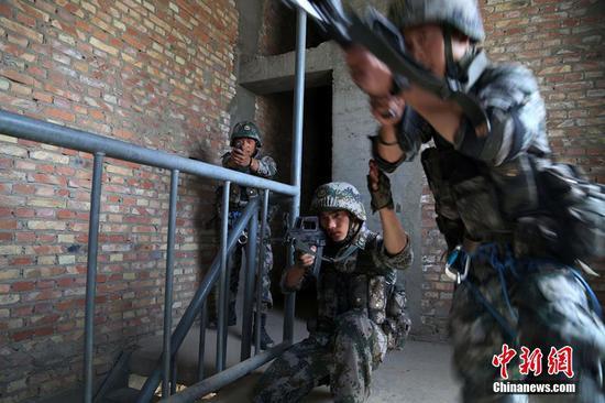 新疆军区某特战旅开展特战尖兵专业集训