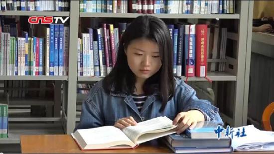 双耳失聪女孩励志人生:将赴清华读博 愿献力健康事业