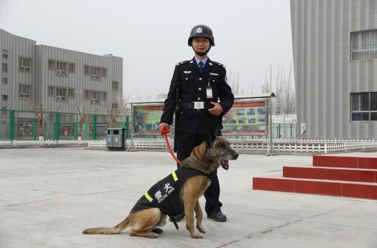 重庆援疆干部:慎终如始  铁马戍边展风采