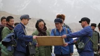 新疆水利干部盛贊電影《五十八座·半》?踏著王蔚足跡前行
