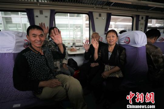 新疆铁路今起实施年内第二次旅客列车运行图调整
