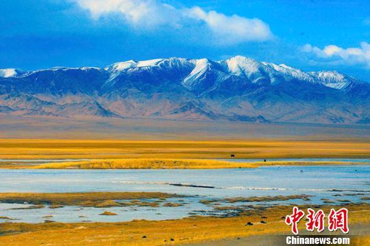 全国旅行商共聚新疆巴州 共商旅游发展蓝图