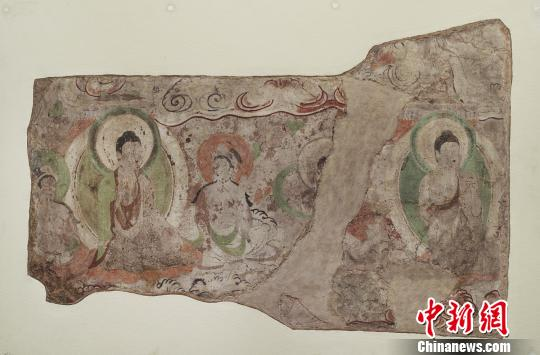 流失海外的龟兹石窟壁画图片形式在新疆展出