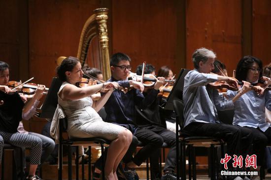 中国学子体验纽约爱乐乐团乐手生活