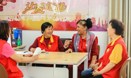 永利官网娱乐呼图壁:78岁老人王桂珍用小爱心汇聚成大能量