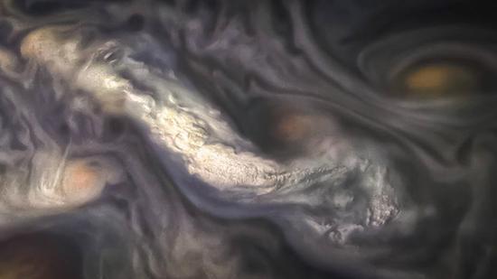 NASA展示木星上空奇异云层 涡流变幻莫测