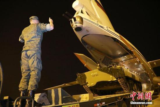 2018国际军事比赛新疆赛区亮点纷呈:战味更浓 技术更强