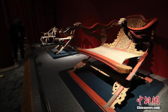故宫家具馆开放 首次仓储式展陈300余件清代家具