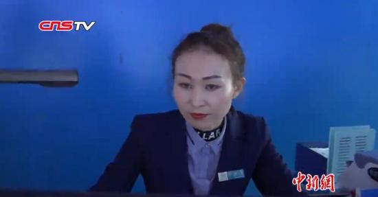 """新疆阿勒泰""""面对面""""引导村民就业 实现村里无闲人"""